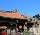 占いの本場、台湾龍山寺で手に入れた赤い糸はばっちり恋愛に効きました